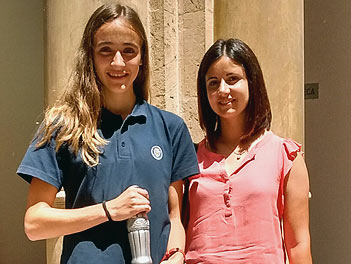 Laura Radó, alumna de Madre Alberta segundo puesto en el concurso de relato breve en catalán de Coca Cola